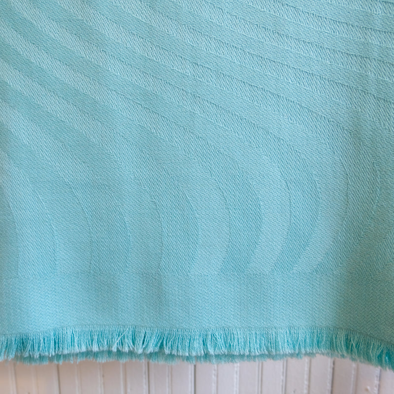 Auskin Woven Waves Throw
