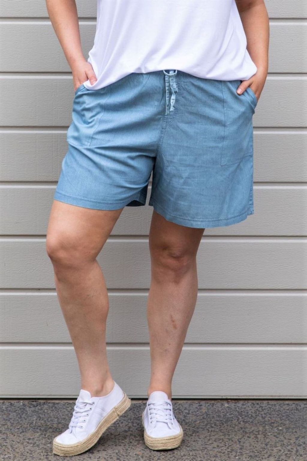 Piper Chambray Pull On Short - Indigo