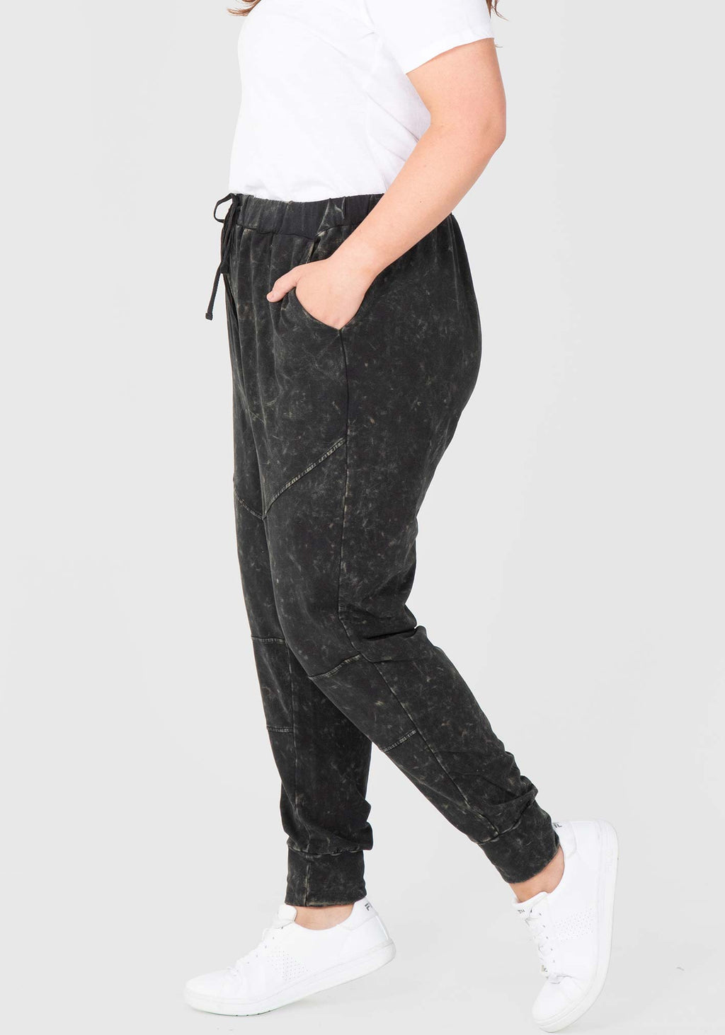 Knee Seam Jogger - Black