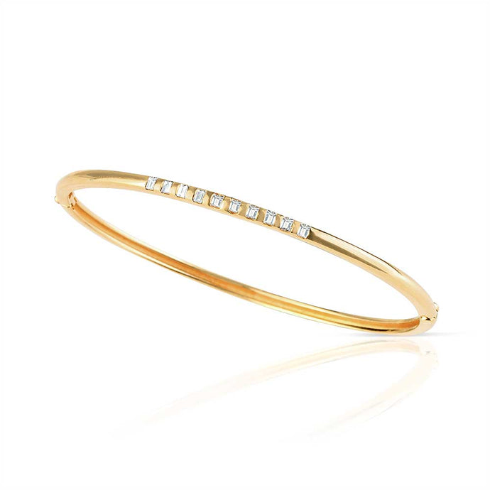 YELLOW GOLD BANGLE WITH 10 BAGUETTE DIAMONDS