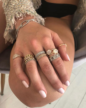 LIGHT SOLID GOLD CHAIN LINK RING