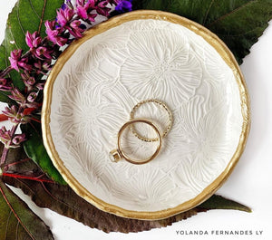 Floral Impressions White - Resin Ring Dish