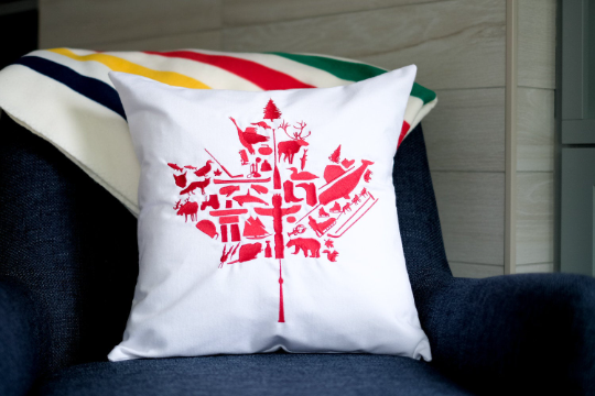 Canada 19inch  Pillow NUF1