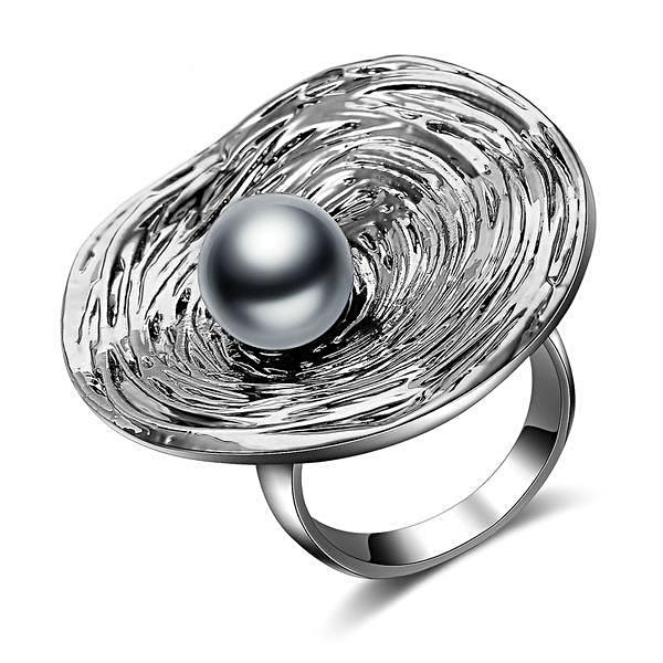 Black Pearl Cocktail Ring - trinkets.pk