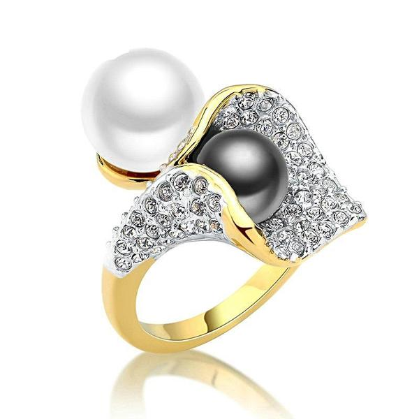 Grey Pearl Cocktail Ring Gold - trinkets.pk