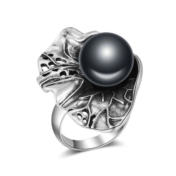 Vintage Black Pearl Cocktail Ring - trinkets.pk