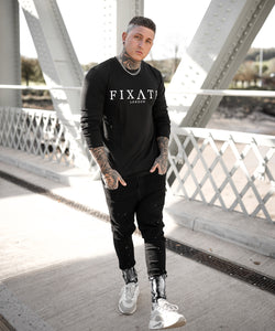 LONGSLEEVE BLACK T-SHIRT