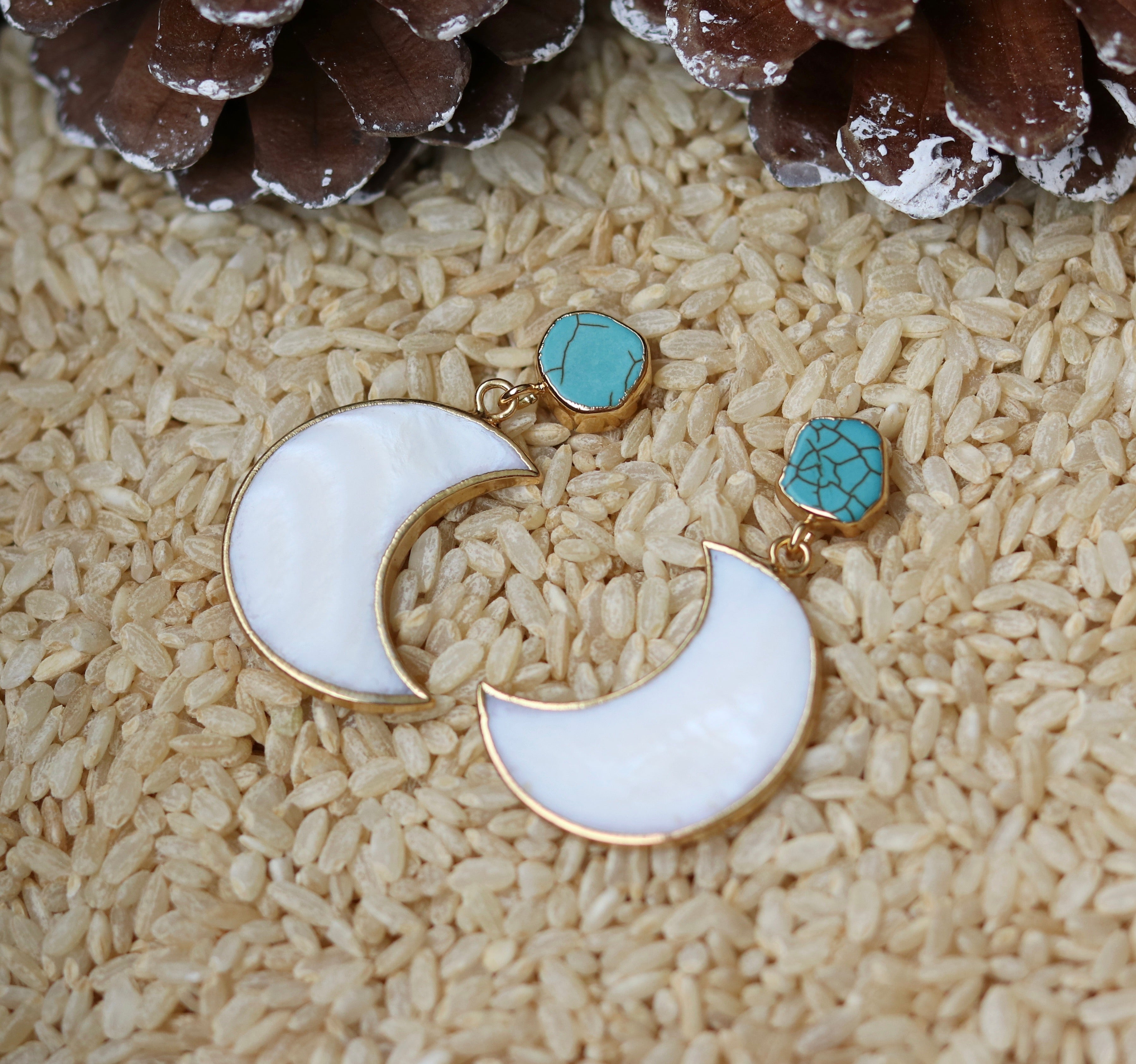 Howlite shell moon earrings - BurzanDesign