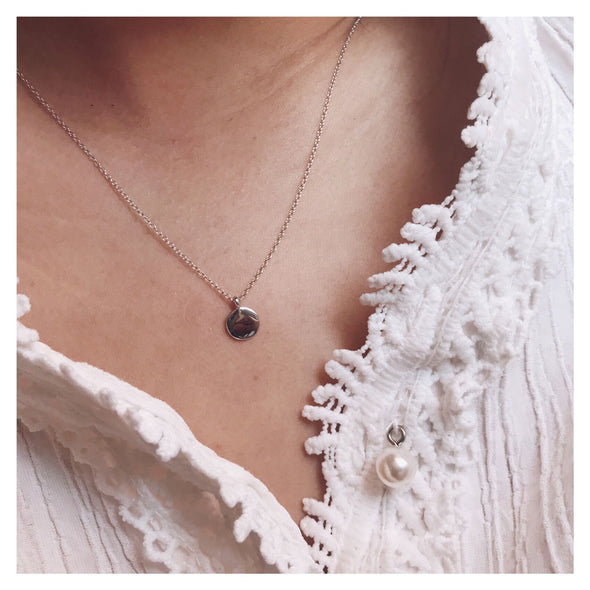 collier-alicia-petit medaillon-argent-focus