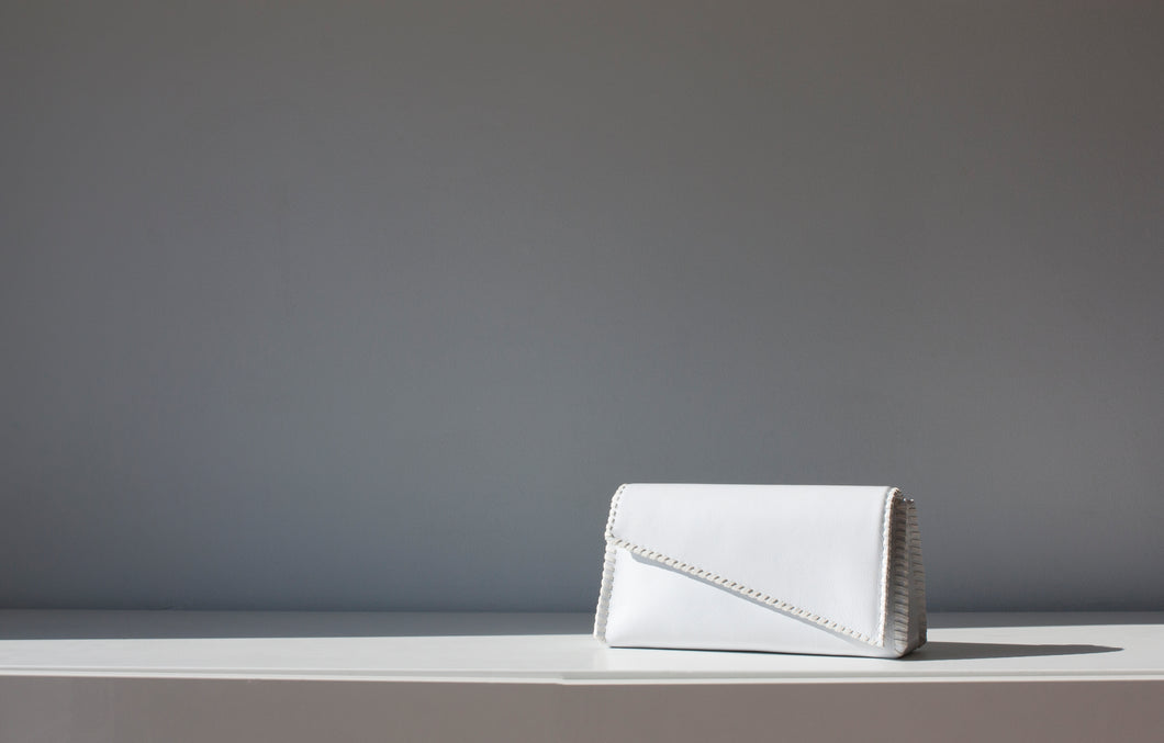 MIES 22 BELT BAG in Ciervo White