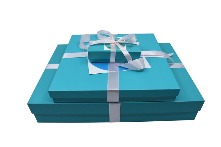 Holly Gift Boxes Inspired By Breakfast At Tiffany's
