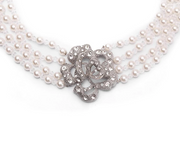 Breakfast at Tiffany's - Holly Five-Strand Kids Pearl Necklace
