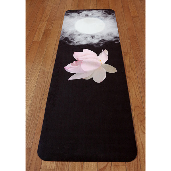 UTOPIAT's Immersive Lotus - the premium eco yoga mat