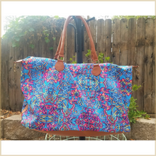 Load image into Gallery viewer, Billie Weekender Bag with Body Strap