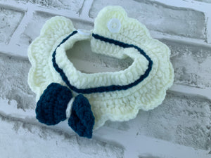 CROCHET CAPE WHITE W/BLUE BOW