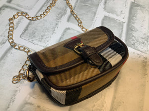 HIGH FASHION INSPIRED CROSSPAW BAG BB W/GOLD CHAIN