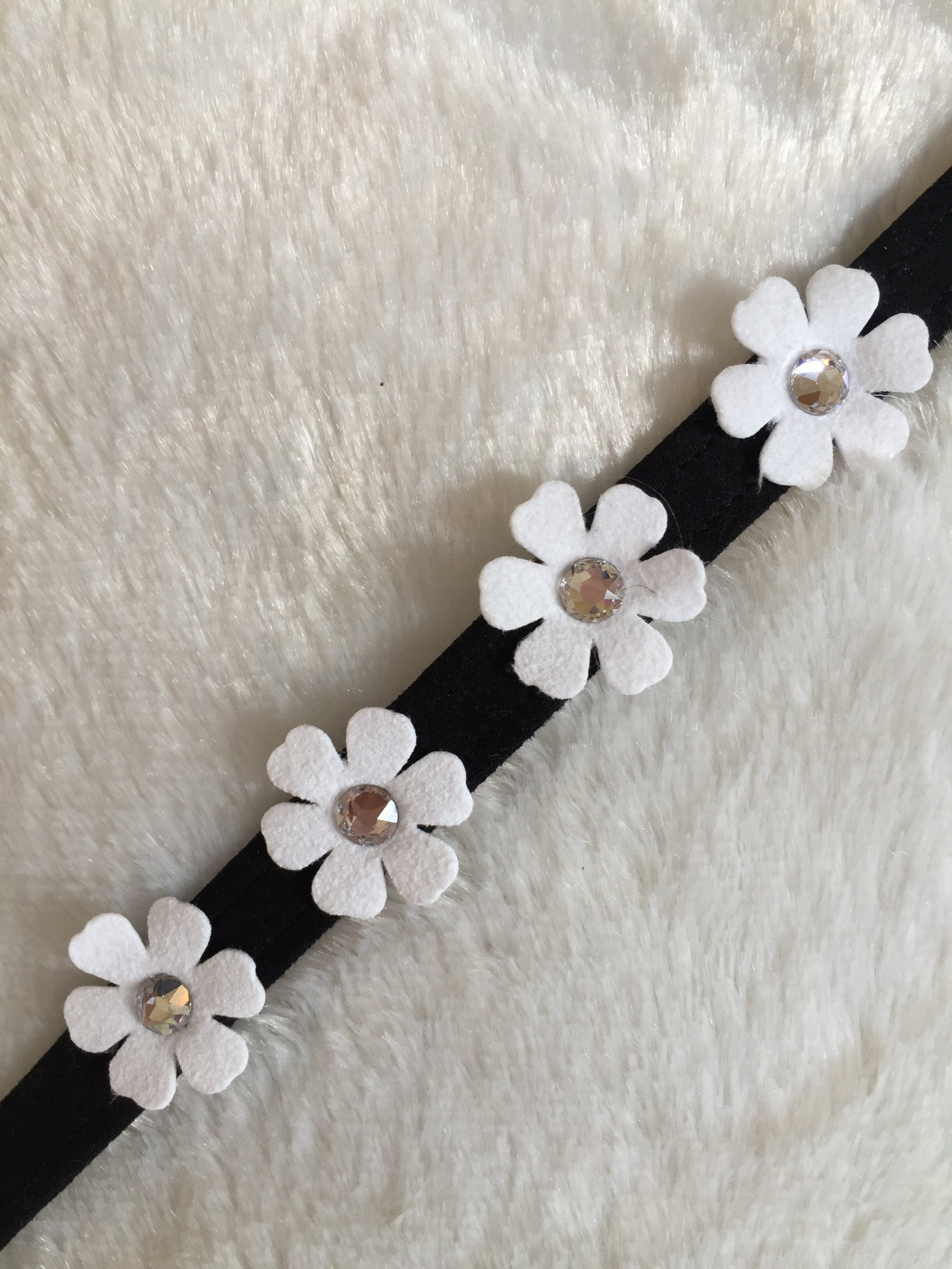 Susan Lanci Petunia Collar Black/White