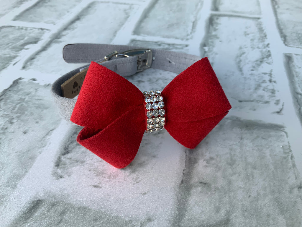 SUSAN LANCI GRAY COLLAR W/ RED NOUVEAU BOW