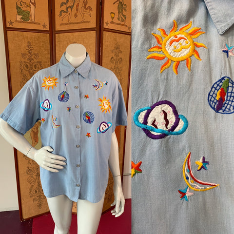 Bill Blass Celestial Embroidered Chambray Short Sleeve Button Up Shirt