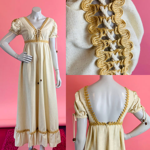 Gunne Sax Imagnin label 1970s maxi dress.  Lace up bodice and sleeves.