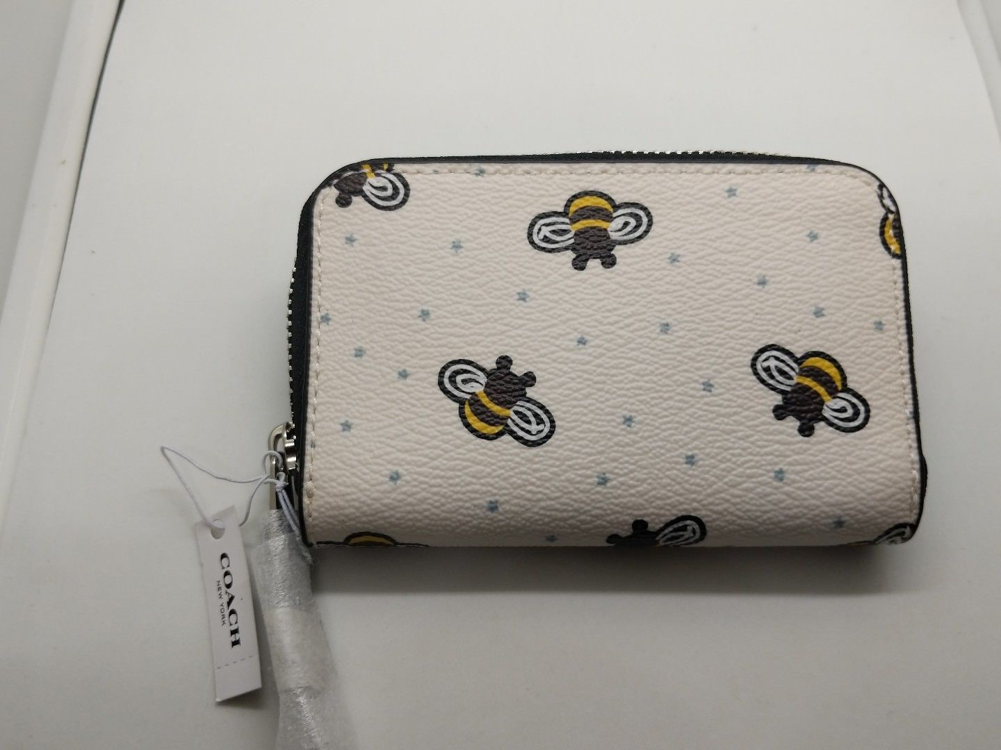a0a51f0dfe5fd4 ... Coach Limited Edition Bee Print Zip Leather Coin/card Case Mini Wallet  F25885
