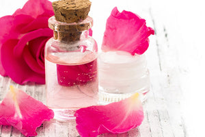 DIY Time: Cara Membuat Rose Water Face Mist