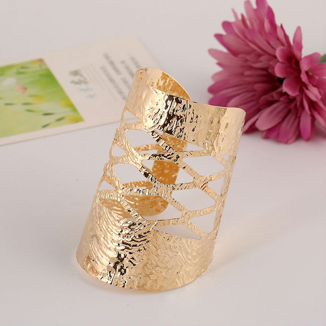 Hollow Gold Bangle - Bealady