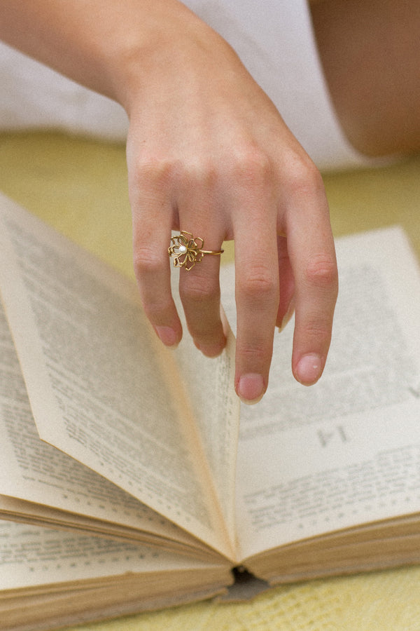 Elie Cocktail Ring - S-kin Studio Jewelry | Minimal Jewellery That Lasts.