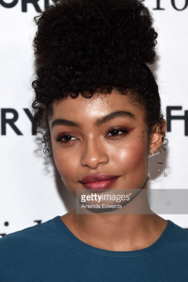 Yara Shahidi, Actress Wears our 14K Gold Kinetic Objects Earring to ABC's premiere of Grown-Ish in Hollywood.