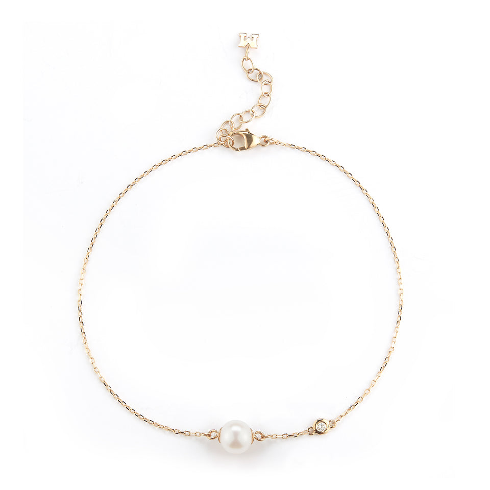 14kt Gold Pearl and Diamond Dot Bracelet