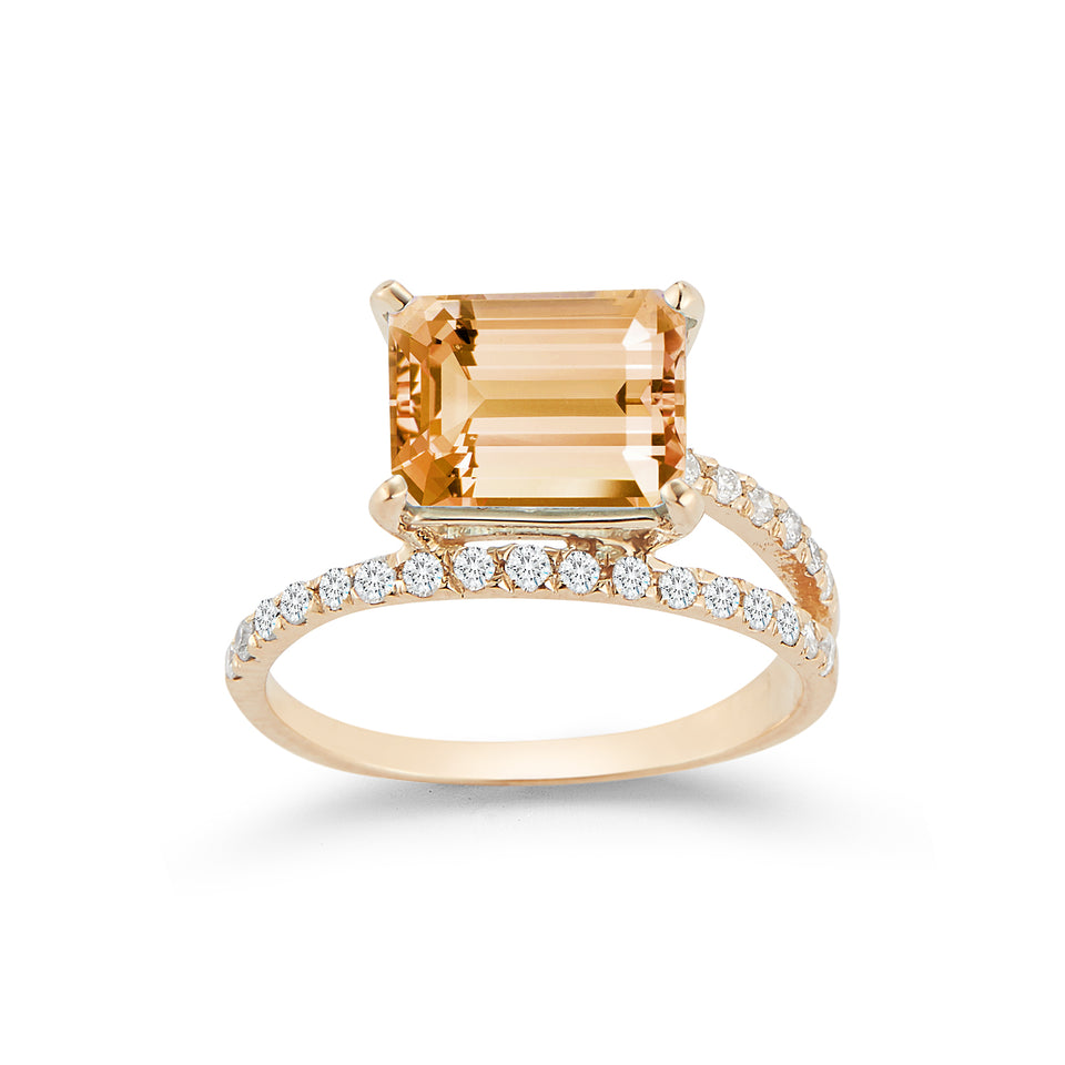 14kt Gold Citrine Point of Focus Ring