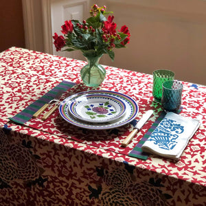 Load image into Gallery viewer, Arabesque Corolla Table Linen