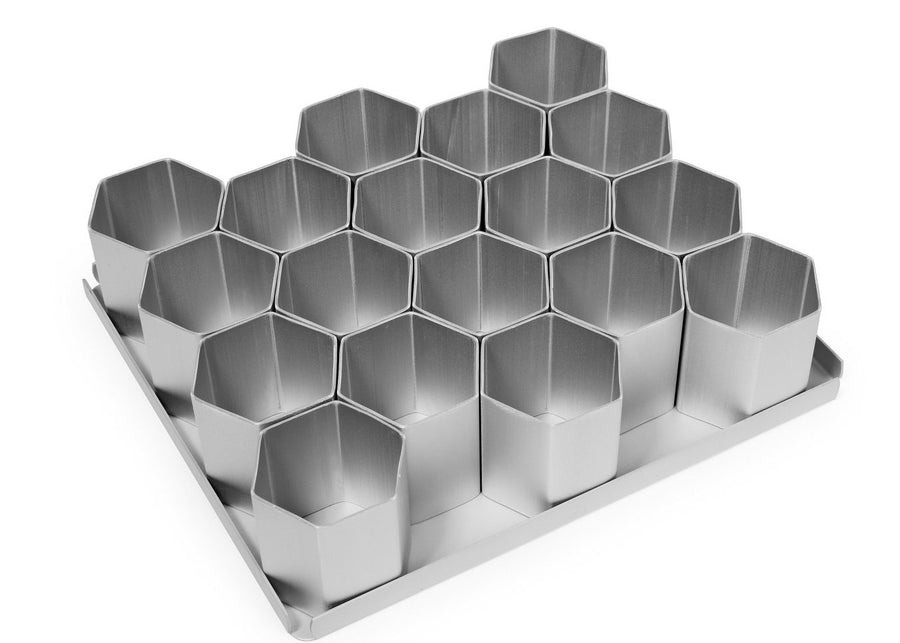 Silverwood bakeware  18 Piece 2 inch Hexagon Multi Mini Set