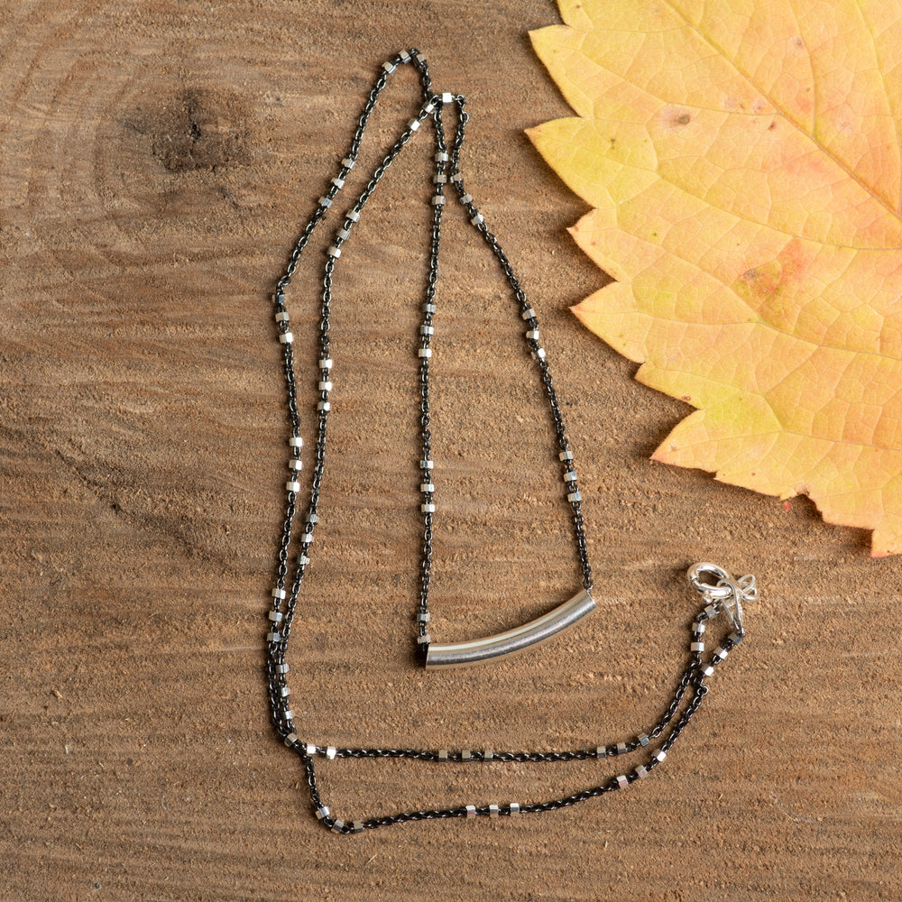 Sterling Simple Curve Necklace 18