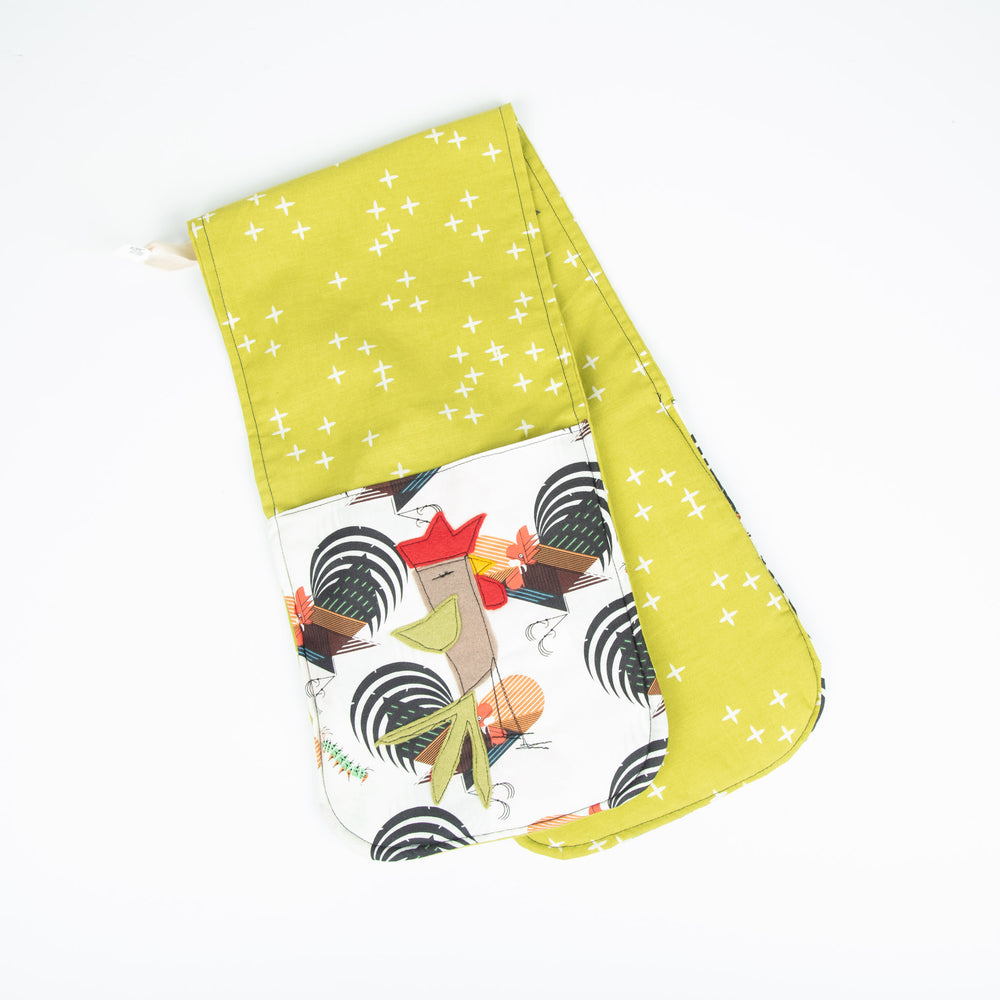 Crowing Rooster Oven Mitt
