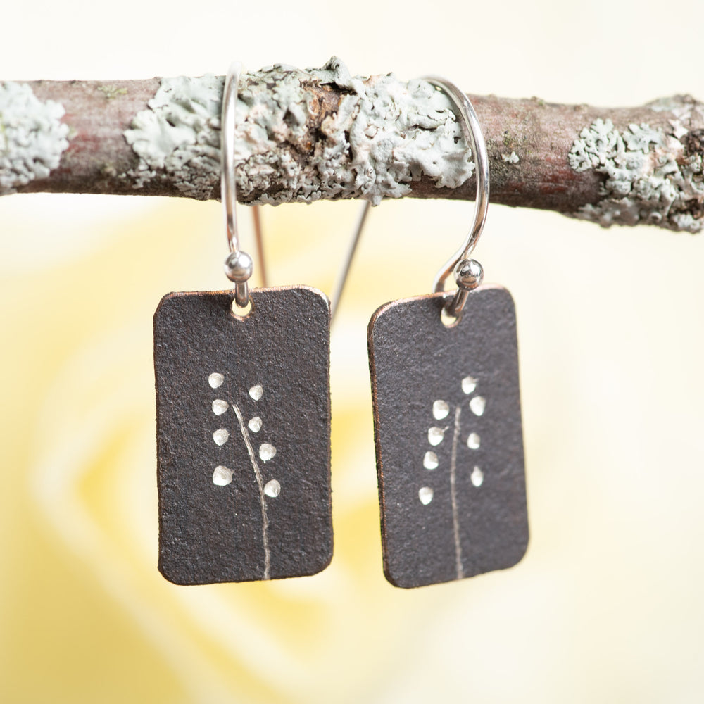 One Dot Flroal Earrings