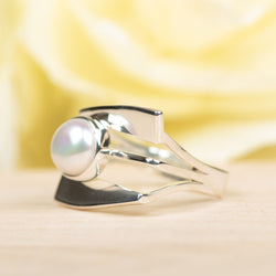 Square Pearl Ring, Size 9