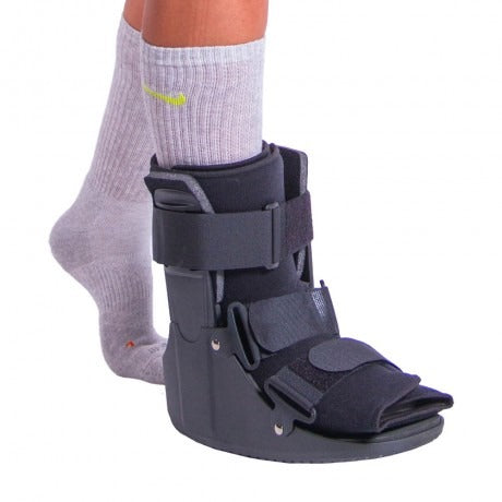 a walking boot to immobilize your foot to eliminate lisfranc pain