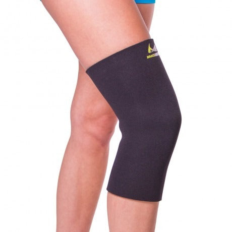 BraceAbility knee sleeve to help provide compression to a knee with patellofemoral pain
