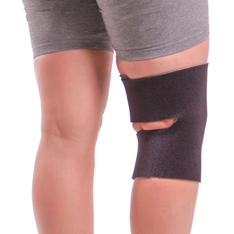 Open patella (kneecap) and open popliteal design makes this brace more breathable and prevents bunching