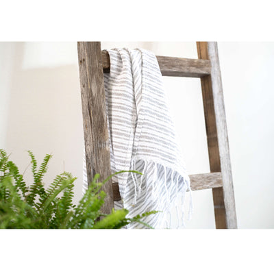 Rustic Farmhouse Blanket Ladder