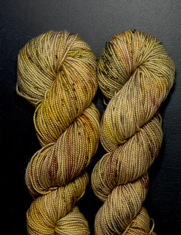 AUTUMN LEAVES - Hand dyed, 4ply, high twist merino, 50g