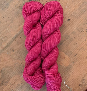 RUBEFACIO - Hand dyed, 4ply, high twist merino, 50g