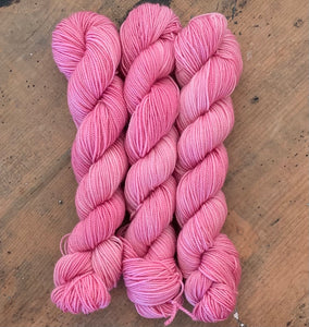 ROSEUS - Hand dyed, 4ply, high twist merino, 50g