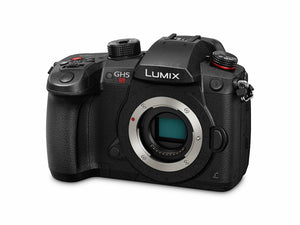 Panasonic GH5S available in Nauticam housing