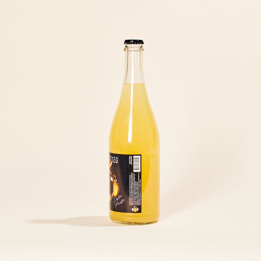 daft-frukt-fruktstereo-natural-cider-wine-malmo-sweden-side