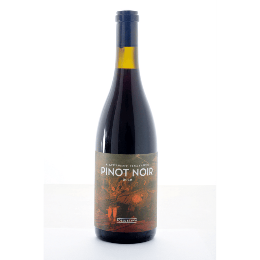 silvershot-vineyards-pinot-noir-fossil-and-fawn-natural-red-wine-oregon-usa