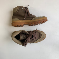 Vintage Guess Leather and Canvas Hiking Boots (6)