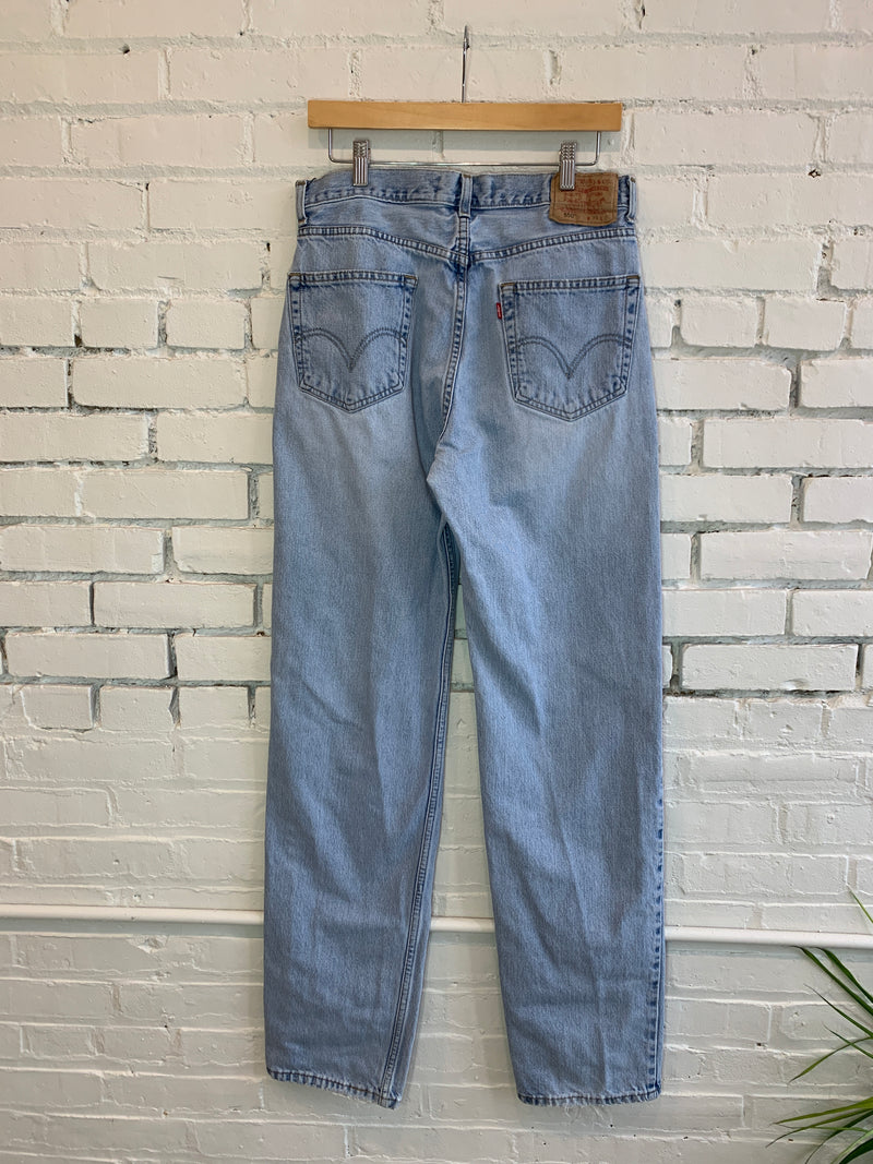 Vintage Levi's 550 Light Wash Mom Jeans (M-L)
