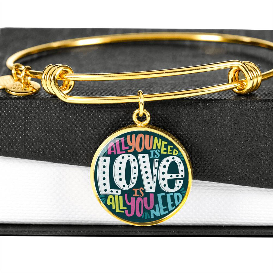 All you need is Love - Circle Bangle